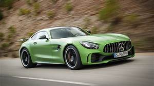 Mercedes Gtr : 2018 mercedes amg gt r first drive the green monster of your dreams ~ Gottalentnigeria.com Avis de Voitures