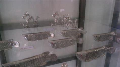 unik miniatur ikan arwana pemain golf hingga kapal