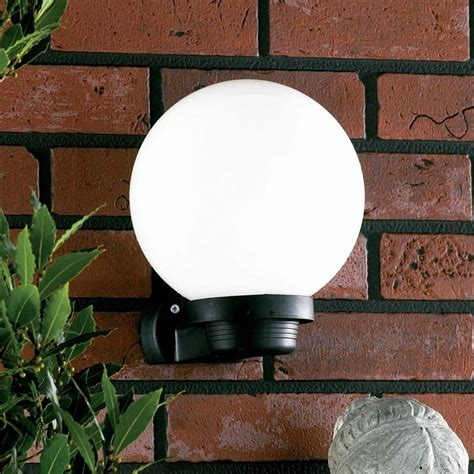 Globe Outdoor Lights Provides An Aesthetic Look To The