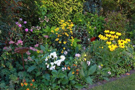 Garten Gestalten Halbschatten by Pflanzen F 252 R Schatten Gartentipps Galanet