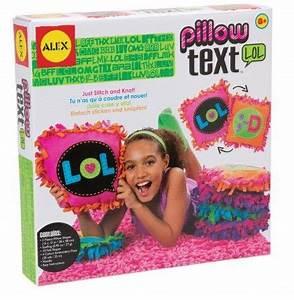Idée Cadeau Fille 12 13 Ans : cadeau fille partir de 8 ans kit couture coussin texte ~ Dode.kayakingforconservation.com Idées de Décoration