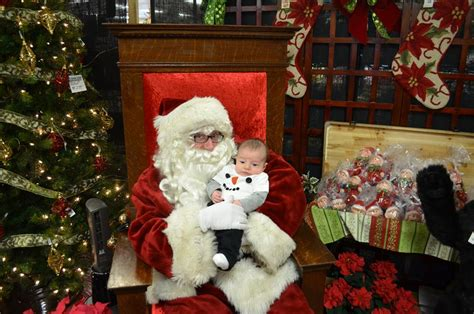 Photos With Santa Around Columbus, Including Pet Photos