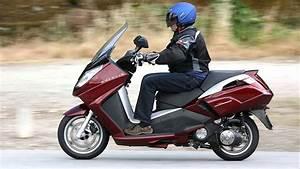 Scooter Peugeot Satelis 125 : peugeot satelis youtube ~ Maxctalentgroup.com Avis de Voitures