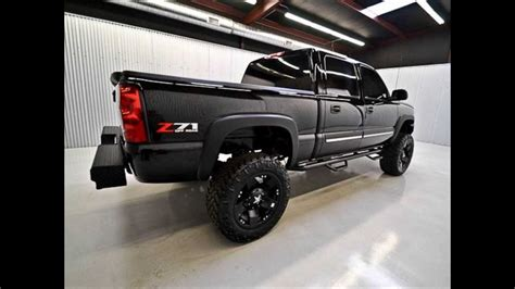 chevy silverado   wd lifted truck  sale