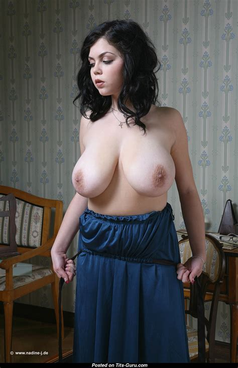 Shione Cooper - naked brunette with huge natural tits image | 30.12.2016 11:39