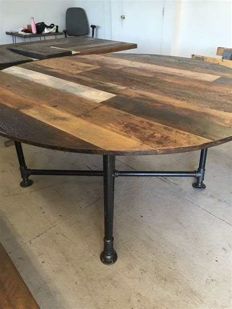 This traditional circular table is great for family dinners and all kinds of entertaining. Pin on Tools For Woodworking