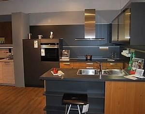 Günstige Küchen Inkl Elektrogeräte : musterk chen b rse musterk chen mit k cheninsel ~ Markanthonyermac.com Haus und Dekorationen