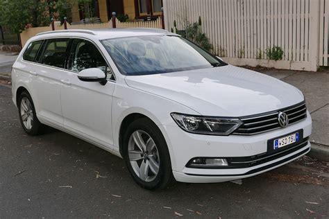 2011 Vw Passat by Volkswagen Passat