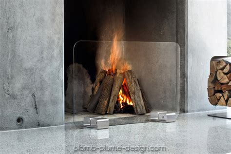parefeu cheminee pare feu de chemin 233 e design en verre et inox bebop