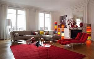 deco salon en couleur rouge quelques idees magnifiques With tapis de marche avec canapé tout salon
