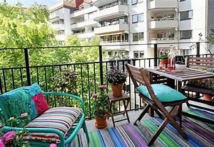 Coole balkon deko ideen gestalten sie ihren balkon mit stil for Balkon teppich mit tapeten englischer stil