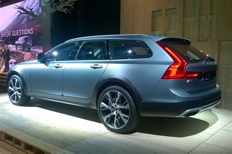 Volvo V90 Cross Country 2017 Premires Photos