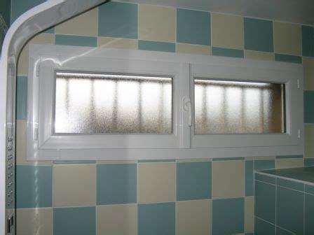 occultant fenetre salle de bain photos de fen 234 tre salle de bain ma fen 234 tre