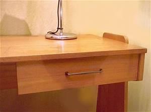 Kleiner Schreibtisch Mit Schublade : kleiner schreibtisch der 50er 60er jahre ~ Indierocktalk.com Haus und Dekorationen