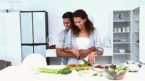 Küche Kosten Durchschnitt : essen zubereiten lizenzfreie stock videos und clips ~ Lizthompson.info Haus und Dekorationen