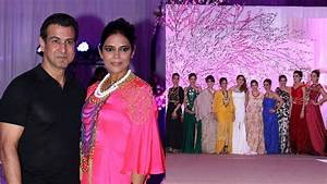 Ronit Roy Spotted With His Wife Neelam Singh At A Fashion ...