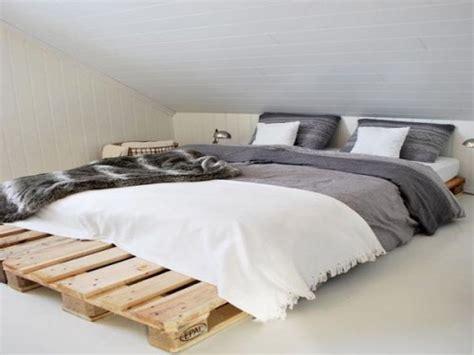orientation du lit dans une chambre position lit dans une chambre int rieur de chambre