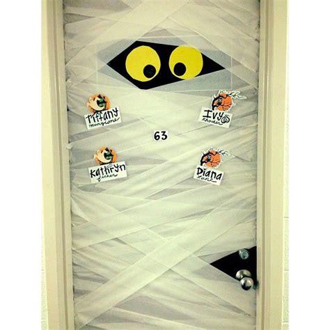 perfect   decorate  dorm door  halloween college dorm decor pinterest crafts