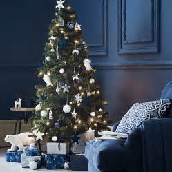 christmas tree decorating ideas how to decorate your christmas tree good housekeeping