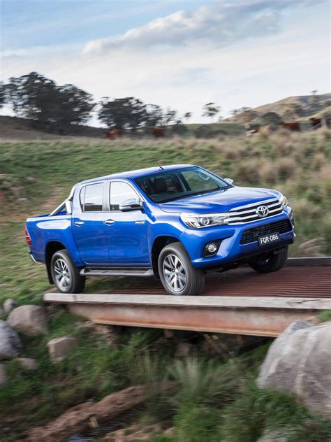 toyota international all new 2016 toyota hilux enters global midsize truck