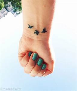 53 Fantastic Birds Tattoos For Wrist