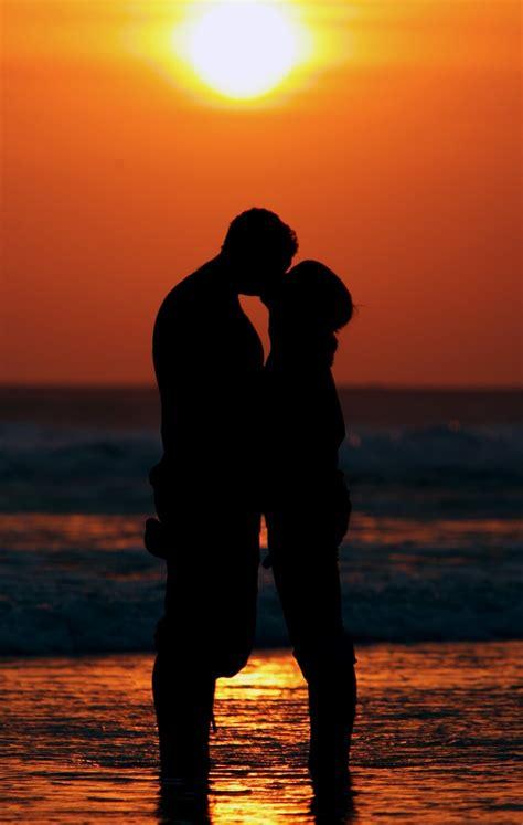 Happy Valentine's Day 2014: Top 10 Most Amazing Love ...