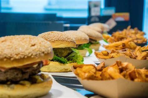 un burgers picture of l 39 atelier du burger caen