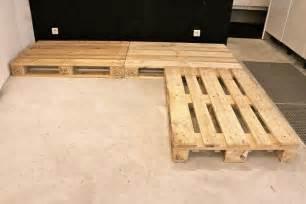 fabriquer un canapé en palette fabriquer canapé d 39 angle en palette