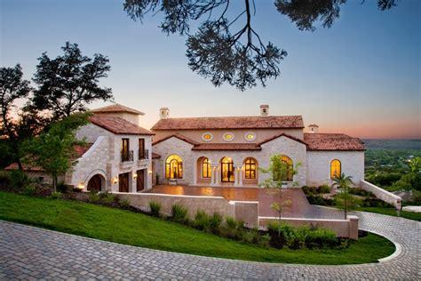 villa style homes lavish villa ascosa in austin texas usa 18