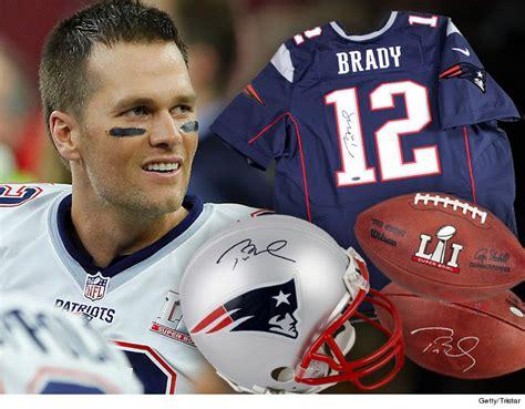 Tom Brady Autograph Football