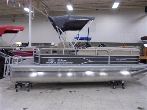 Used Boat Parts Lansing Michigan by Lansing New And Used Boats For Sale