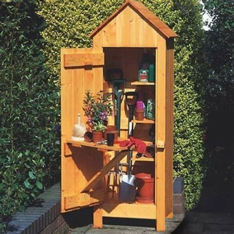 tool shed gardeners tool shed