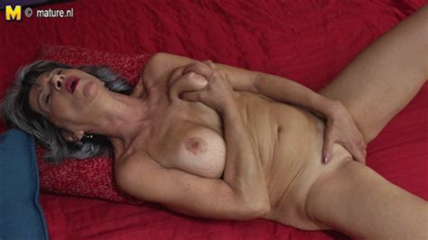mature slut moms and grannies s 17 fotos