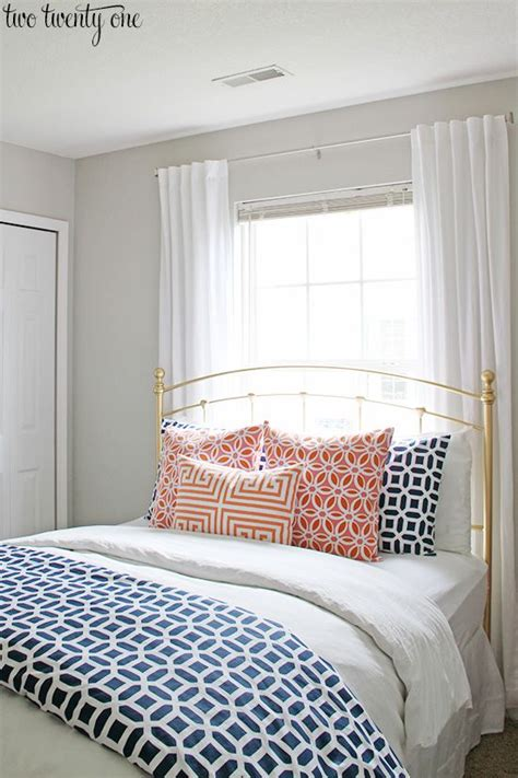Guest Bedroom Bedding by Guest Bedroom Makeover Reveal Bedroom Ideas Coral