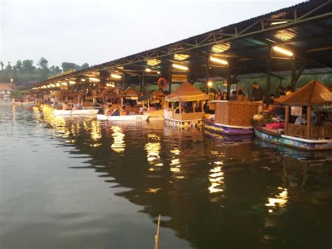 wisata bandung floating market lembang