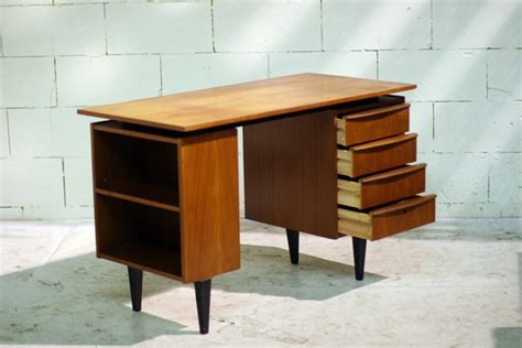 le de bureau retro prachtig retro vintage bureau uit de jaren 60 dehuiszwaluw