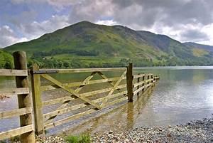 Flood defence spending 'perverse' as vulnerability ...