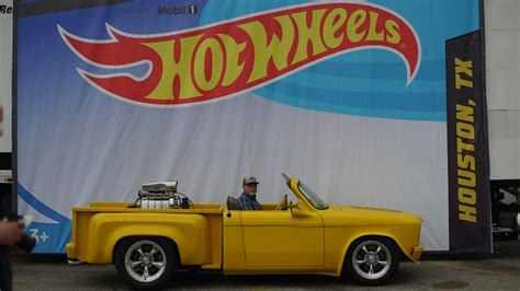 houston brings   game   hot wheels legends