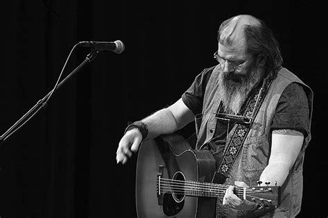 Steve Earle's 'guitar Town' Album Earns 30th Anniversary