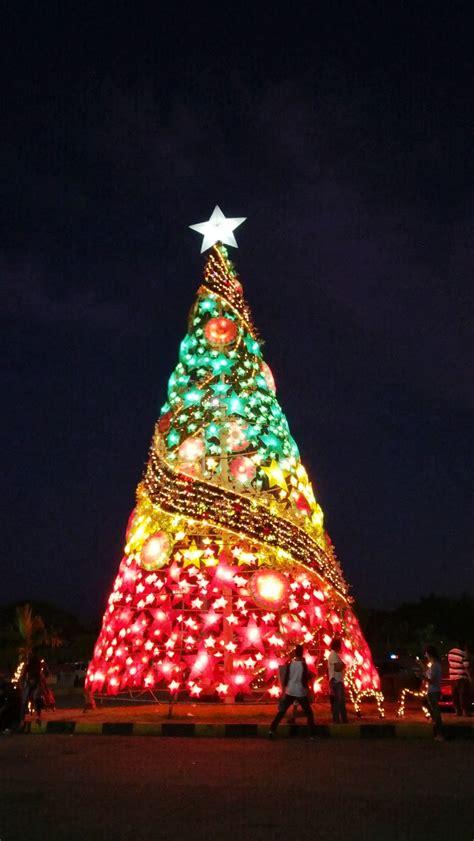 christmas time   city  beautiful christmas