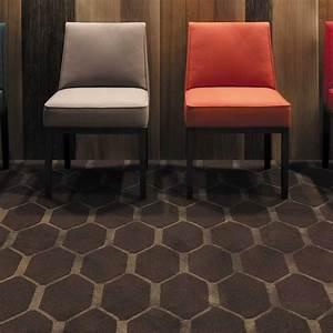 tapis de luxe marron avec motifs nid d39abeilles en laine With tapis exterieur avec canapé design marron