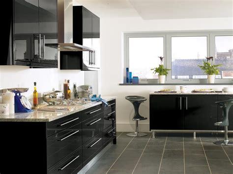 matte  glossy cabinets      byhyu