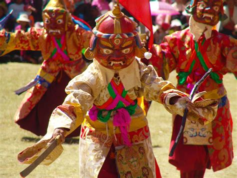 must see cultural events for a tour to tibet in 2014