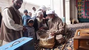 A, Man, Offers, Alms, At, The, Sufi, Shrine, Golra, Sharif, Golra