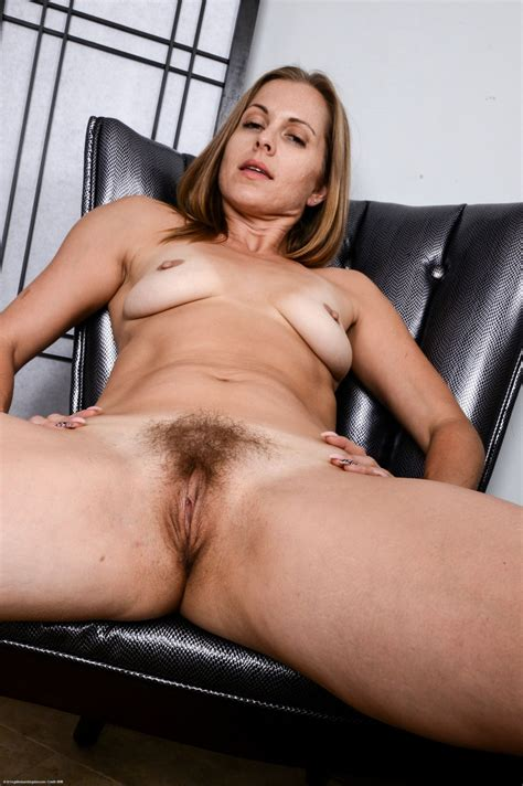 Wonderful Milf Miss Melrose Showing Her Hairy Pussy And