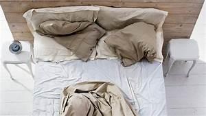 Comme On Fait Son Lit On Se Couche : pourquoi vous ne devriez jamais faire votre lit quand vous ~ Melissatoandfro.com Idées de Décoration
