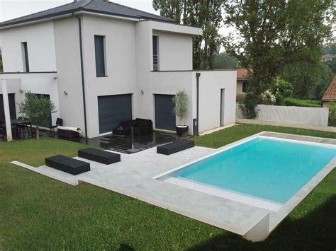 ordinaire amenagement exterieur maison terrain en pente 8 cr233ation dune piscine au design