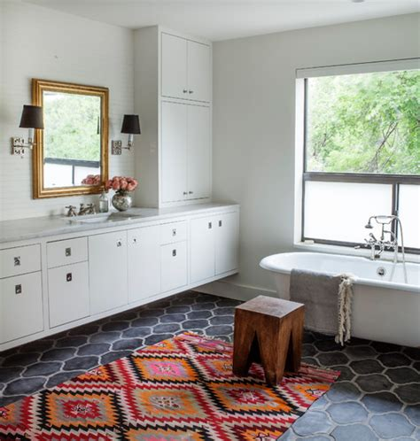 Creative Ideas For Small Bathrooms by 13 Creative Ideas For A Bathroom Makeover