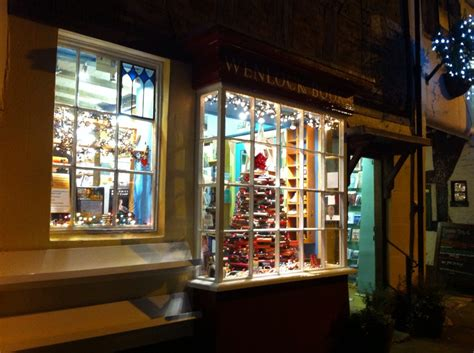 christmas decorations bookshop windows  christmas