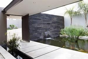 Back Dramatic Contemporary Residence Amazes Stunning ...